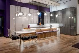 A Contemporary Kitchen Shines In High Gloss Laminate Beckallen