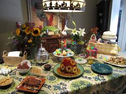 Interesting Traditional Christmas Dinner Table Decoration Ideas At Buffet  Table With Glass Cake Jar And Antique Half Egg Pendant Dining Lamps In  Small ...
