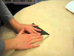 Pliage serviette papier 2 couleurs. Pliage Serviettes Forme Nenuphar 2 Couleurs Pour Lou Youtube