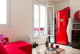 appartement du 19e arrondist de paris sur airbnb afin de rembourser l emprunt qui lui a permis de l acheter pendant ce temps elle loge dans sa