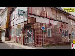 Im rahmen des kulturellen festivals treppen, keller, hinterhöfe, das im september 2012 zum dritten mal in witzenhausen stattfand, wurde der überreste der historischen stadtmauer eine besondere beachtung geschenkt. Germany Dozens Of Refugees Injured In Fire At Witzenhause Shelter Youtube