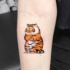 Tattoo cành lá và tattoo. Kham Pha Những Y Tưởng Hinh Xăm Hổ Cute Danh Cho Cac Bạn Gai