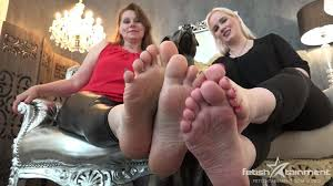 Mom and daughter foot fetish pics