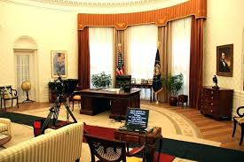 Oval office white house Inside The Desk In The Oval Office The Desk In The Oval Office Resolute Desk Splendid The Oval Office Resolute Desk The Set Desk Oval Office White House White House Museum The Desk In The Oval Office The Desk In The Oval Office Resolute