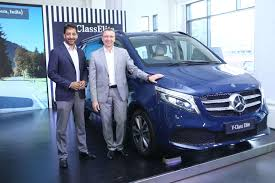 63.60 lakh to 80.90 lakh in india. V Class Elite Price Mercedes Benz Launches V Class Elite At Rs 1 10 Crore Auto News Et Auto