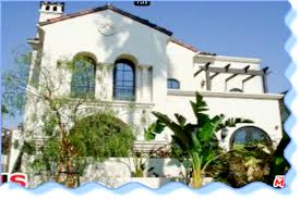 Townhouse For Lease In Santa Monica Features 2 Bedrooms, 2.5 Baths,  Hardwood Floors,