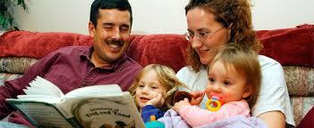 「reading kids & parents」的圖片搜尋結果