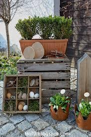 Ostern Steht Vor Der T R Und Eine Deko Aus Einem Alten