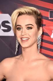 katy perry diamond chandelier earrings chandelier earrings lookbook stylebistro
