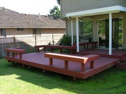 hereu0027s a simple deck with bench seats in the corners building k76