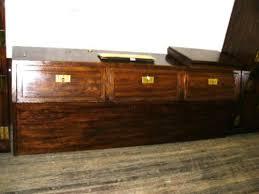 Huge Henredon bedroom set: dresser with 7 drawers, 2 bedside lockers ...