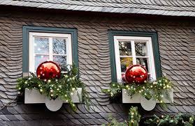 Christmas Window Box Decorations Last Minute Christmas Window Decoration Ideas WindowRepairGuy 8