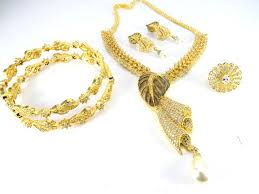 clear white matching necklace set