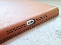 it s expensive but apple s leather ipad mini smart case is almost worth the review