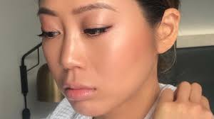 makeup artist nam vo shares highlighter and smoky eye tips from nyfw allure