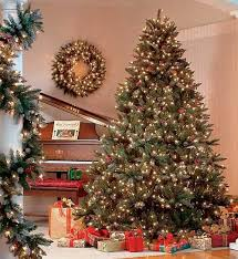 Christmas tree lighting ideas Interior By Ena Russ Last Updated 10122012 Lushome Safe Christmas Decorating Tips Christmas Tree Decoration With Lights