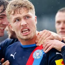 Alle aktuellen news von kiel, spielplan, kader & liveticker! 2 Fussball Bundesliga Holstein Kiel Feiert Gegen Erzgebirge Aue Den Ersten Saisonsieg Shz De