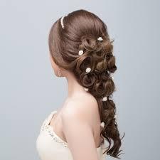 新郎も気になる結婚式で選ばれる新郎新婦のヘアスタイル 元