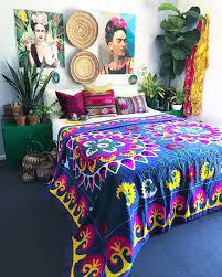 bold maximalist bedroom decor ideas