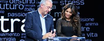 Sabrina Ferilli intervista Walter Veltroni: debutta seduta come Barbara D'Urso