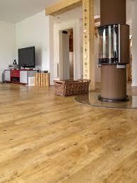 Mesmerizing Vinylboden Wohnzimmer Nett Exquisit Dunkel Bilder Vinyl