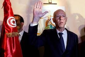 من هو قيس سعيد الرئيس التونسي الجديد؟