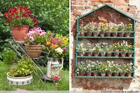 Mit unseren anleitungen können sie ganz einfach ihren blumenkasten selber bauen. Anleitung Blumentreppe Blumenregal Aus Holz Bauen Gartenlexikon De