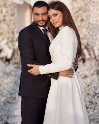 أنا يمني | شاهدي تفاصيل حفل زفاف الممثلة المصرية هاجر أحمد الذي أقيم أمس –  وتعرفي على مصمم فستان العرس