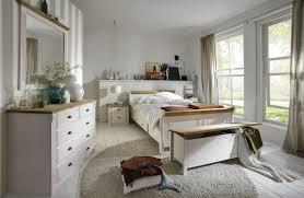 Schlafzimmer Im Landhausstil Eva Weiß Gelaugt Geölt Von Jumek