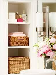 Bathroom cubby storage