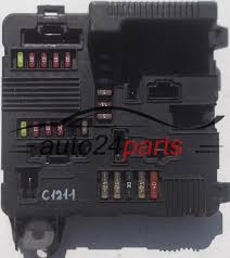 fuse relay box electrical renault megane scenic siemens s118399300 fuse relay box electrical renault megane scenic siemens s118399300 k 8200306033b