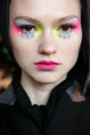 manish arora beauty s s 16 catwalk makeup runway makeup paris fashion