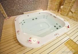 what is hot tub folliculitis