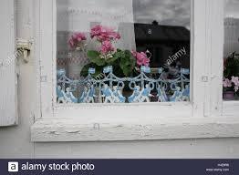 Holzhaus Fenster Detail Dekoration Auf Schwedisch Geranien
