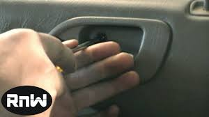 How to Remove the Rear Door Panel and the Interior Door Handle on ...