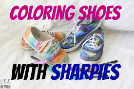shoes with sharpies and then spraying them with rubbing alcohol crafting with kids