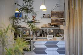 With its 1911 classic beach bungalow space, idyllic aussie cafe gum tree is a boon for the south bay, with a retail shop and cafe where beachy vibes are omnipresent. Australian Coffee Culture Is Inspiring A New Wave Of American Cafes Eater