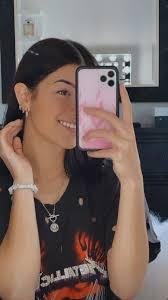 Charli D'amelio in 2020   Cute beauty, Beautiful girl image, Famous girls