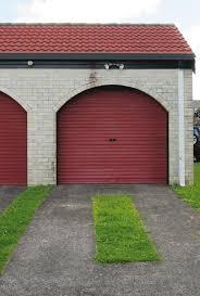 figure 1 single garage door style from period