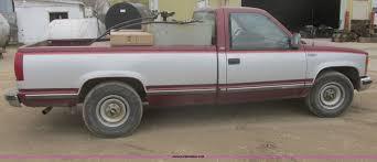 1988 Chevrolet Silverado 2500 pickup truck   Item I2690   SO...