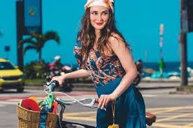 Music video by luna maya ft dide hijau daun performing suara (ku berharap). 6 Potret Rumah Luna Maya Di Bali Yang Tidak Terawat Mau Ikut Bantu Renovasi Rumah123 Com