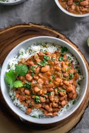mexican pinto beans and tomatillo