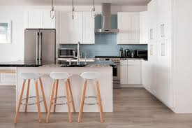 Pre Assembled White Shaker Solid Wood Kitchen Cabinets