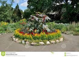 Small Round Flower Bed Design Circular Flower Bed Stock Photo Image Of Driveway Earth