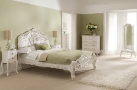 Add elegance to your bedroom with elegant headboard of bed