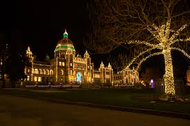 Victoria Parliament Building Lights Christmas Lights In Canadas Capital Cities Canada Ca