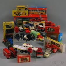 approximately fifty two orted mostly cast metal toy vehicles