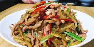 榨菜炒肉丝这样做好吃,制作简单,咸香微辣,特解腻,下酒又下饭|榨菜|肉丝|炒肉丝_新浪新闻