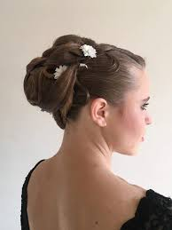 Svatební účesy Kadeřnictví Magic Hair