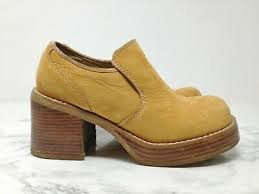 Candies 90s Vintage Tan Sueded Leather Chunky Heel Booties